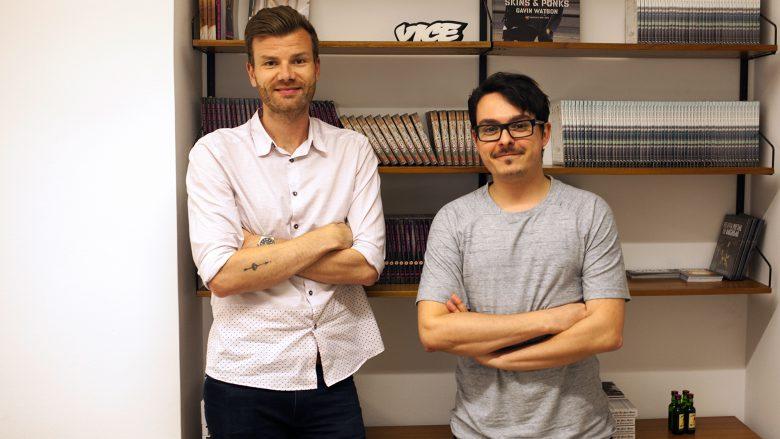 Stefan Häckel und Markus Lust hängen im Vice-Austria-Hauptquartier ab. © Stefanie Katzinger