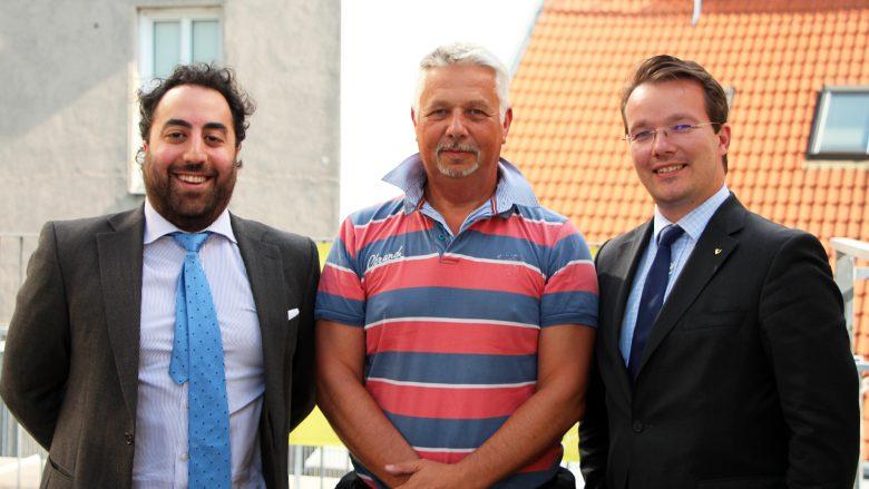 R. Philippeit (Mitte) mit Anwalt K. Rastegar (l.) und Neo-Investor B. Baurek-Karlic. © J. Steinschaden
