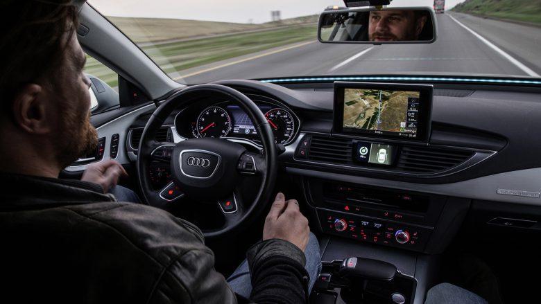 Look mum, no hands! © Audi