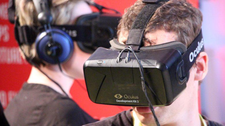 Nicht zeitgemäß: Flucht in die virtuelle Realität. © Jakob Steinschaden