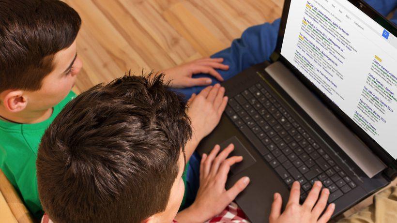 Was ist AdWords, was ist organisch? Viele Teens kennen den Unterschied nicht. © Fotolia/Montage Red.