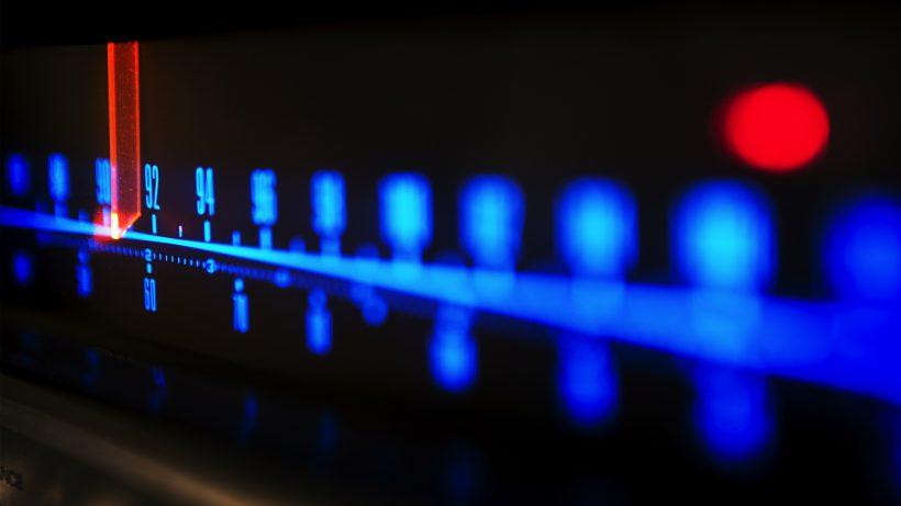 Versteckte Töne aus dem Radio können Apps triggern. © Fotolia/Sensay