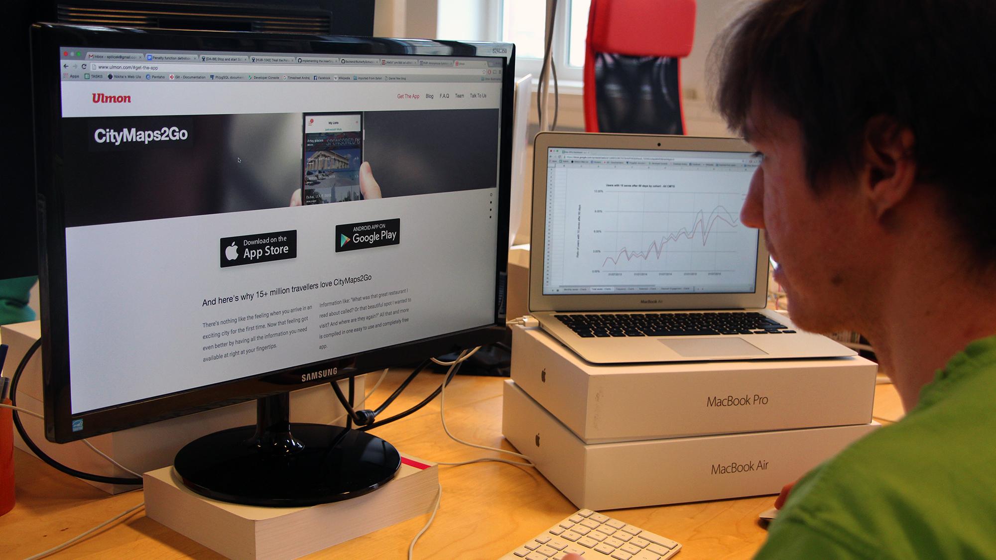 Datenanalyst beim Werken. © Jakob Steinschaden