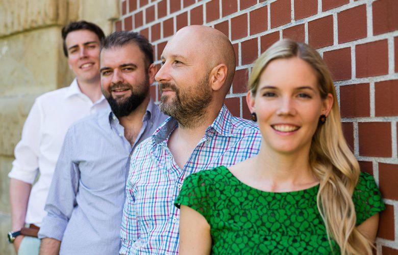 Das FoodNotify-Team an der Wand. © Michael Molzar