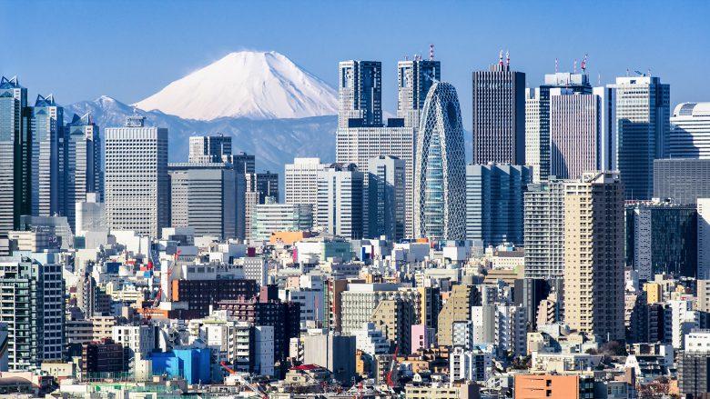 Tokios Skyline vor dem berühmten Mount Fuji. © Fotolia/eyetronic