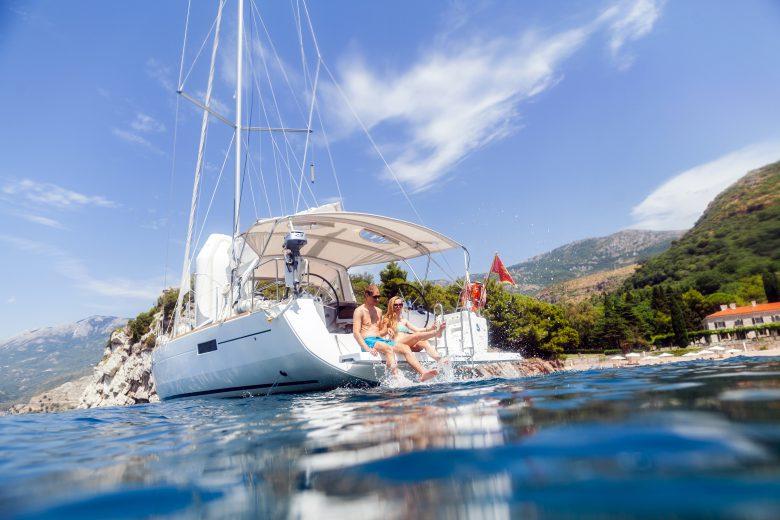 Segeln vor der kroatischen Küste. © Fotolia/shevtsovy