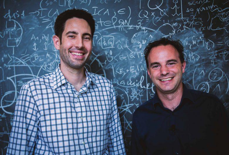 Die beiden Co-Founder Garrett Cole und Markus Aspelmeyer von CMS, dem hochtechnischen, multinationalen Startup mit Wiener Wurzeln. © Crystallinemirrorsolutions
