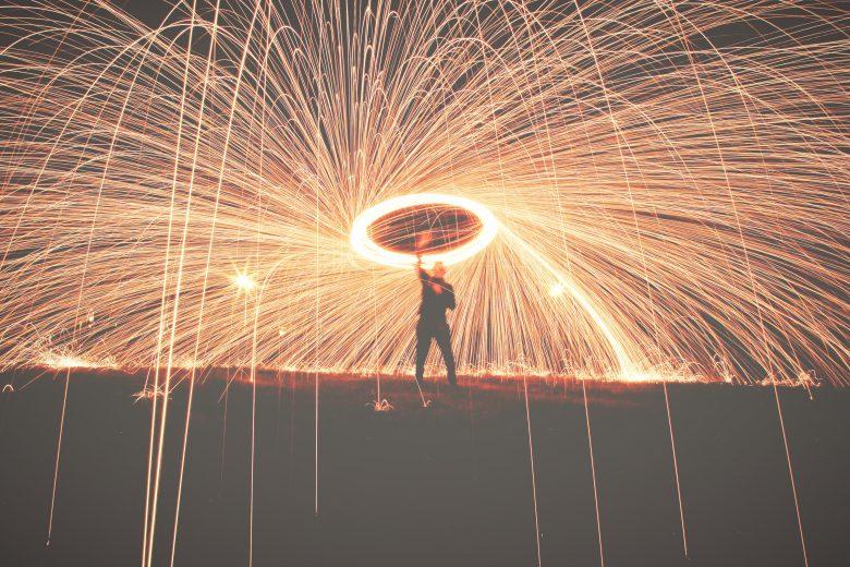 Ihr sprüht nur so vor Ideen und Vorsätzen für das neue Jahr? Mit diesen Talks schafft ihr es fix, sie auch umzusetzen! © Riley McCullough / Unsplash