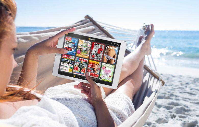 Entspannt überall Zeitungen lesen: die App Readly macht's möglich.