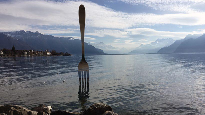 Gabel-Skulptur im Genfer See. © Pixabay/CC0