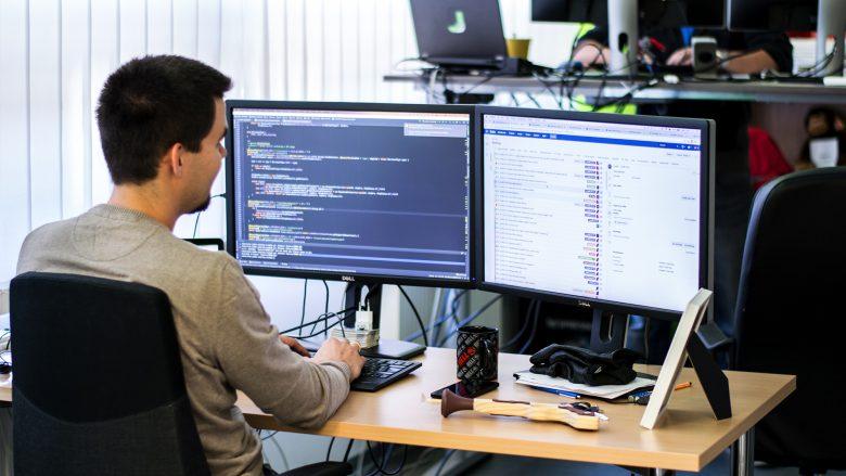 Jumio-Entwickler bei der Arbeit. © Jumio