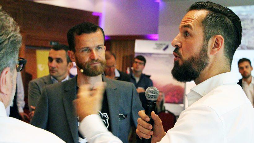 Gerd Sumah, Geschäftsführer von Snics, pitcht vor Bernd Litzka von der aws. © Jakob Steinschaden
