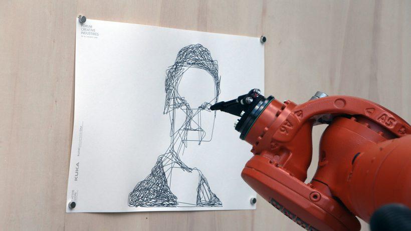 Roboter als Porträtmaler. © Trending Topics