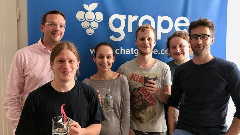 Das Grape-Team mit den beiden Gründern Leo Fasbender und Felix Häusler. © Grape