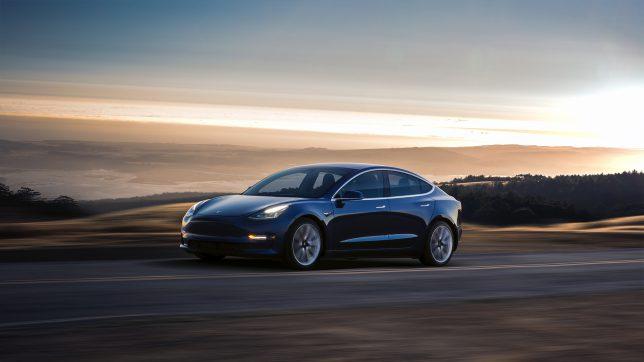 Das Model 3 in blau. © Tesla Motors