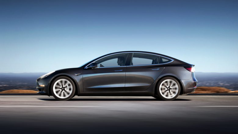 Das Model 3 in Silber. © Tesla Motors