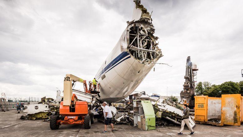 Der halb zerlegte Airbus A310. © Schrott24