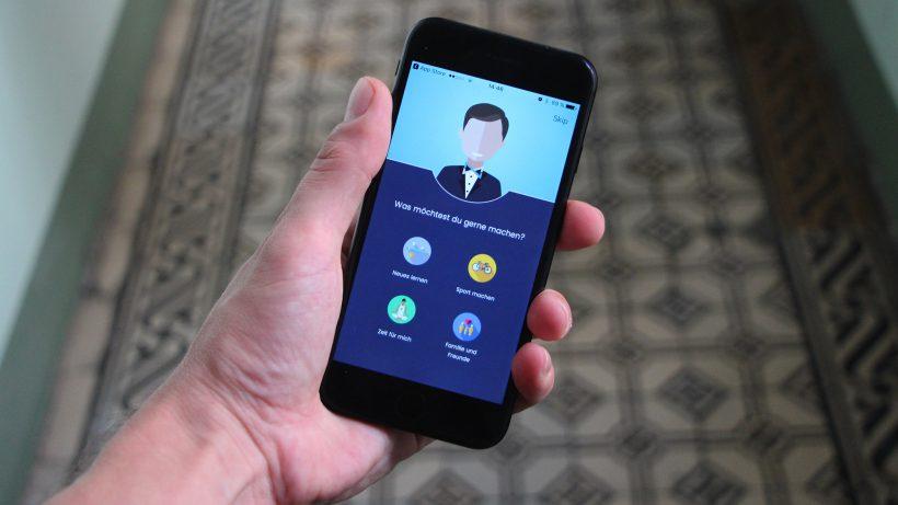 Die App soll als digitaler Assistent am Smartphone behilflich sein. © Jakob Steinschaden