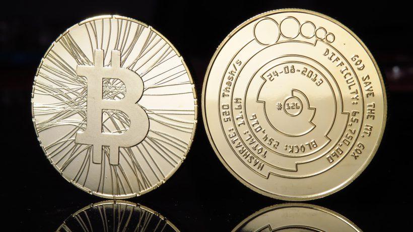 Bitcoin, bzw. ihr physisches Pendant. © Antana/Flickr (CC BY-SA 2.0)