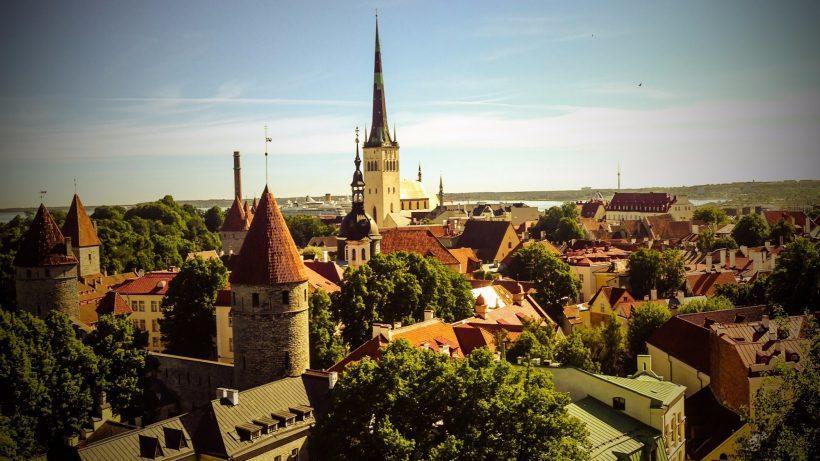 Die Skyline von Tallinn © flickr_CC2.0_Mike Beales