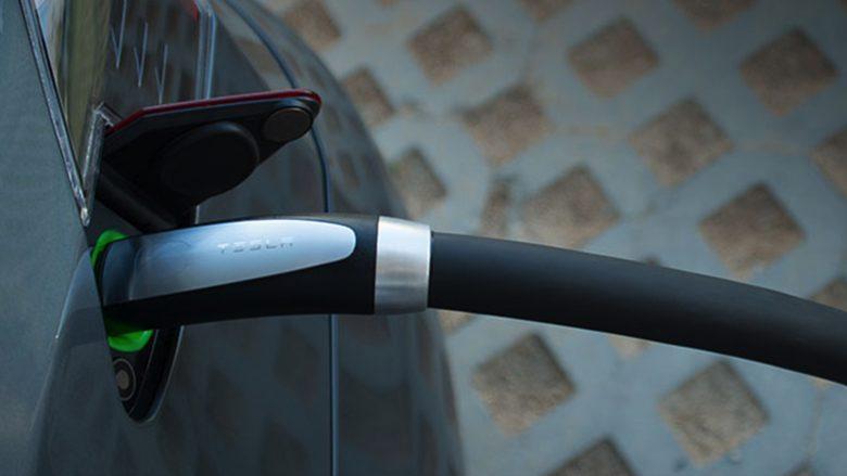 Einmal aufladen, bitte. © Tesla Motors