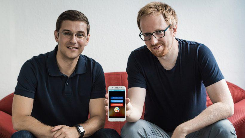 Ivan Stojkovic und Josef Korntheuer mit der CINN-App. © CinnApp
