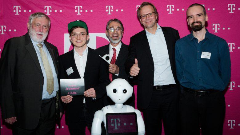 "Das Projekt ""BrailleMobile"" bei der Preisvergabe. © T-Mobile Austria"
