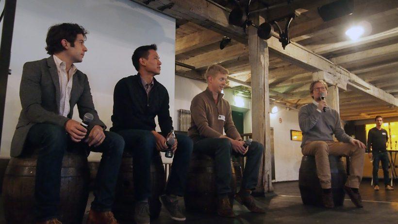 Tikhon Bernstam (Parse) Anson Tsai (Cardpool) und Steve Huffman (Reddit) diskutierten mit Michael Ströck (Gustav). © FounderTalks