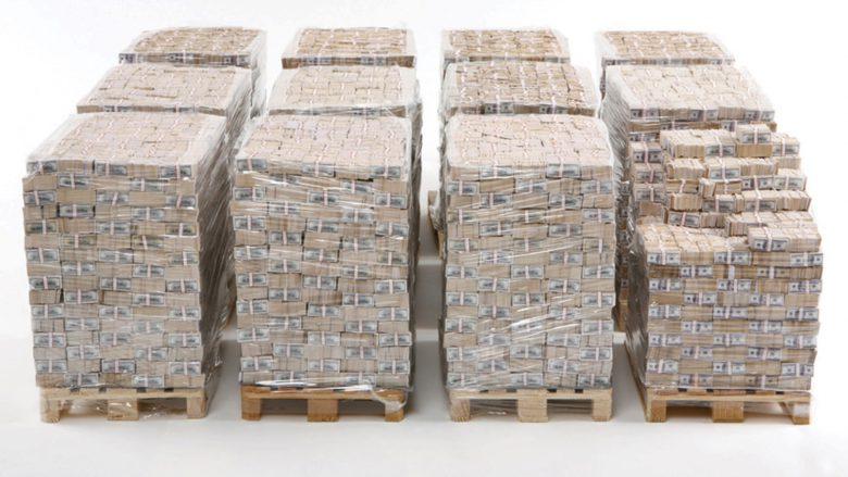 """One Billion Dollar"". © Michael Marcovici"