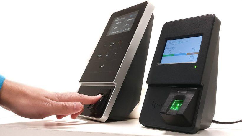 Fingerprint-Sensoren zur Zeiterfassung. © Planery