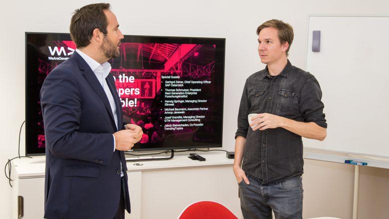 Michael Baumann, Associate Partner Amrop Jenewein, und Jakob Steinschaden, Trending Topics. © Tamás Künsztler