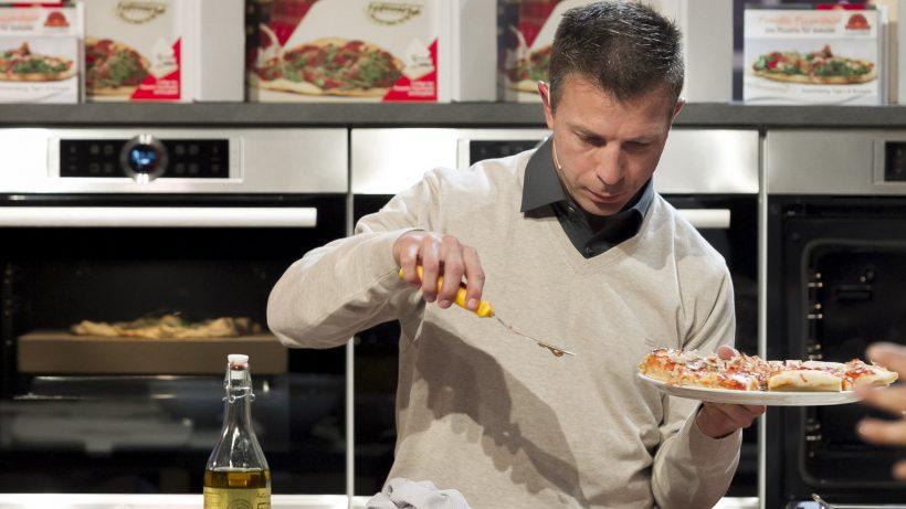 """Der Pimotti Pizzastein im Rohr bei """"2 Minuten 2 Millionen"""". © Gerry Frank"""