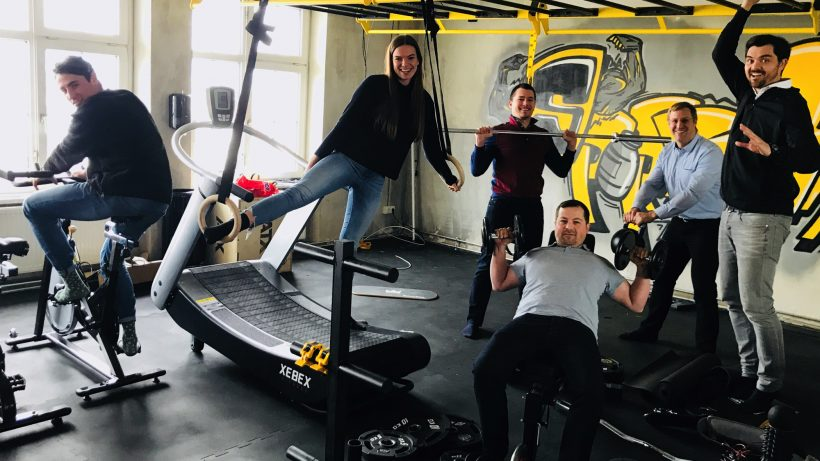 Das Domonda Team: Paul Horlacher (Operations & Customer Support), Clarissa Haas (Assistant to CEO), Denis Badurina (Senior Developer), Erik Unger (CTO), Stefan Spiegel (CFO) und Michael Haller (CEO). © Domonda
