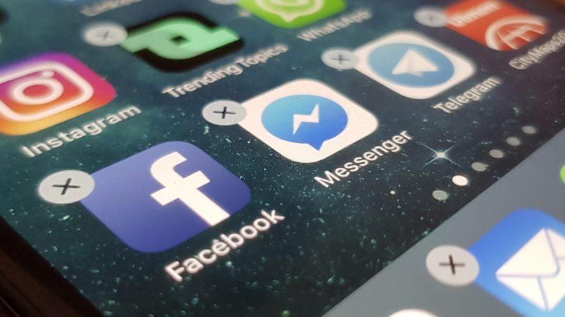 Delete Facebook. © Sara Grasel