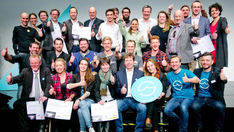 Demo Day Salzburg: Die Gewinner der Sonderpreise und alle Startups, die ihre Geschäftsmodelle präsentierten. © wildbild