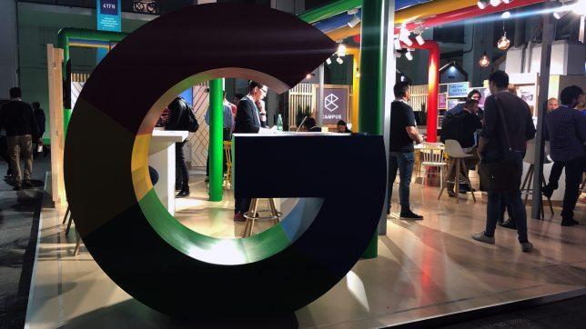 Google-Logo auf der MWC in Barcelona. © Jakob Steinschaden