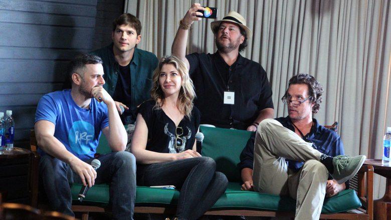 Matthew McConaughey, Ashton Kutcher, Marc Benioff,Melody McCloskey undGary Vaynerchuk. © Jakob Steinschaden
