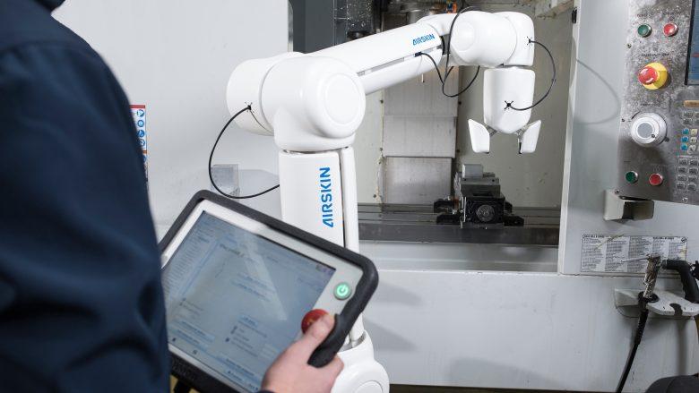 Blue Danube Robotics rüstet Roboter mit einer fühlenden Haut aus. © Blue Danube Robotics