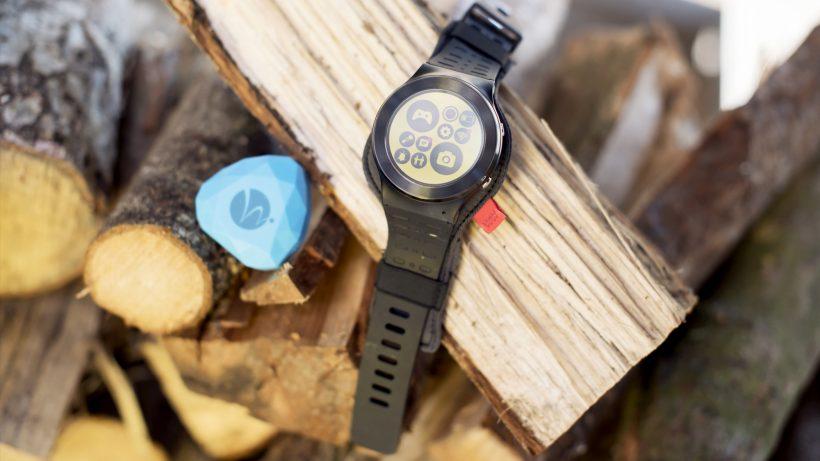 Die Wanderwatch kommuniziert mit Beacons. © Wanderwatch