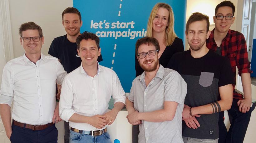 Das Entwickler-Team des Campaigning Bureau rund um Geschäftsführer Philipp Maderthaner (vorne links). © Campaigning Bureau
