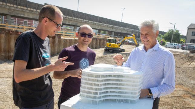 Neunteufel-Geschäftsführer Johann Neunteufel (re.) mit Dynatrace-Gründer und -CTO Bernd Greifeneder (mi.) und Gerhard Abel von PLANET architects. © Wakolbinger/Dynatrace