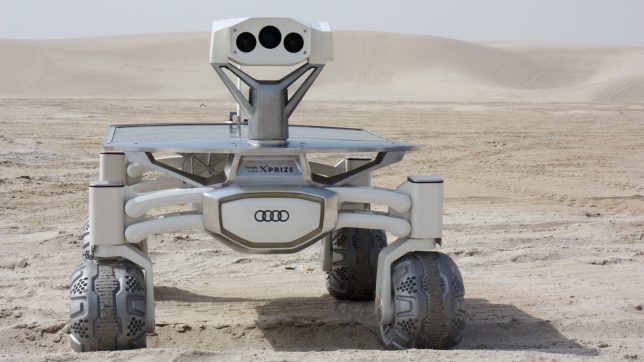 """Der """"Audi Lunar Quattro Rover"""" beim Test in der Wüste von Qatar. © PT Scientists"""