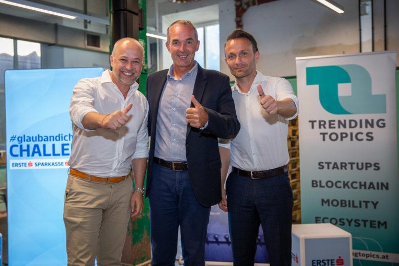Emanuel Pröderbauer (Erste Bank), Thomas Oberbeirsteiner (Bürgermeister Wattens) und Michael Wurzer (Tiroler Sparkasse). © David Bitzan