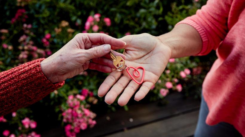 Schlüsselübergabe bei Airbnb. © Airbnb