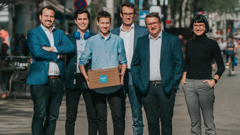 Markus Kainz (PrimeCrowd), Kambis Kohansal Vajargah, Moritz Lechner, David Gloser (Ecovis), Peter Kraus und Barbara Hölzl (Ecovis). © Freebiebox GmbH