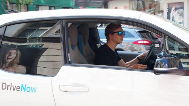 Jakob Steinschaden (Trending Topics) im BMW i3. © Trending Topics