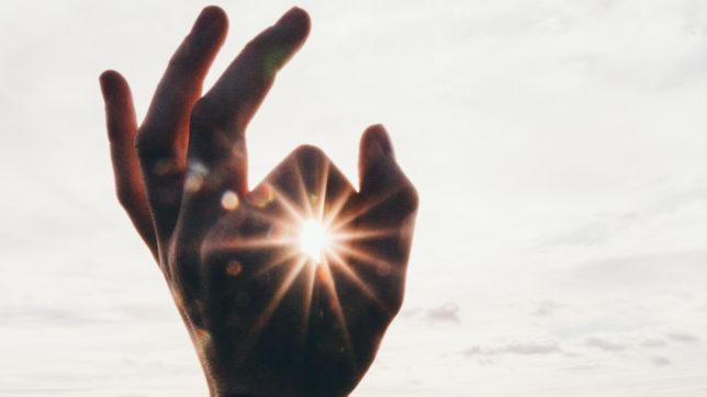 Hands up! © Pexels