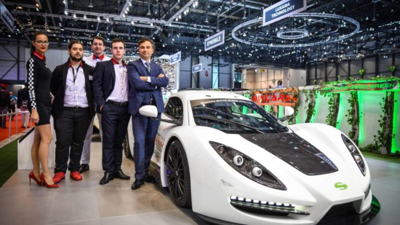 Rossen Daskalov (r), the founder and CEO of Sin Cars, is an engineer and former racing driver ©SinCars
