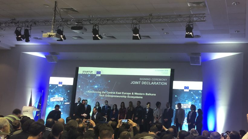 The declaration was signed by prepresentatoves of startup organizations from the respective countries ©Trending Topics
