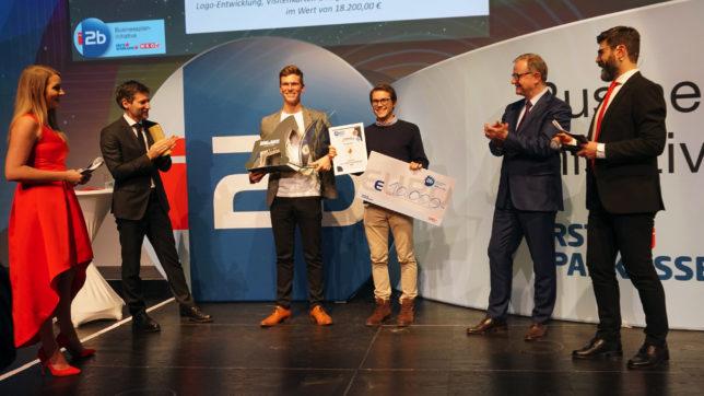 Luca Fichtinger und Michael Beitl von Kern Tec sind die Gesamtsieger des i2b Business Plan Wettbewerbs 2018. © Trending Topics